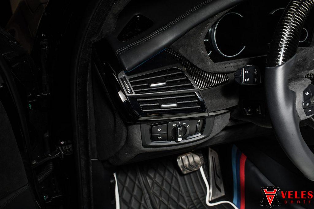 Перешив стоек BMW Алькантарой в Москве