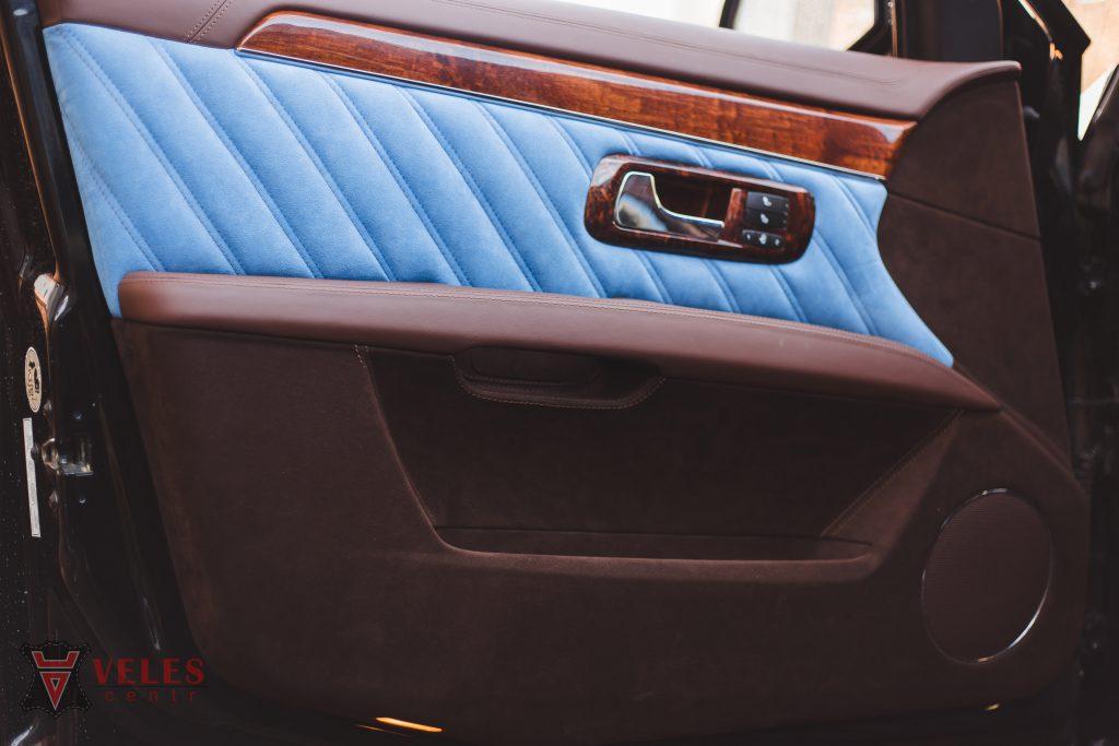 Перешив дверей из кожи Cadillac в Москве