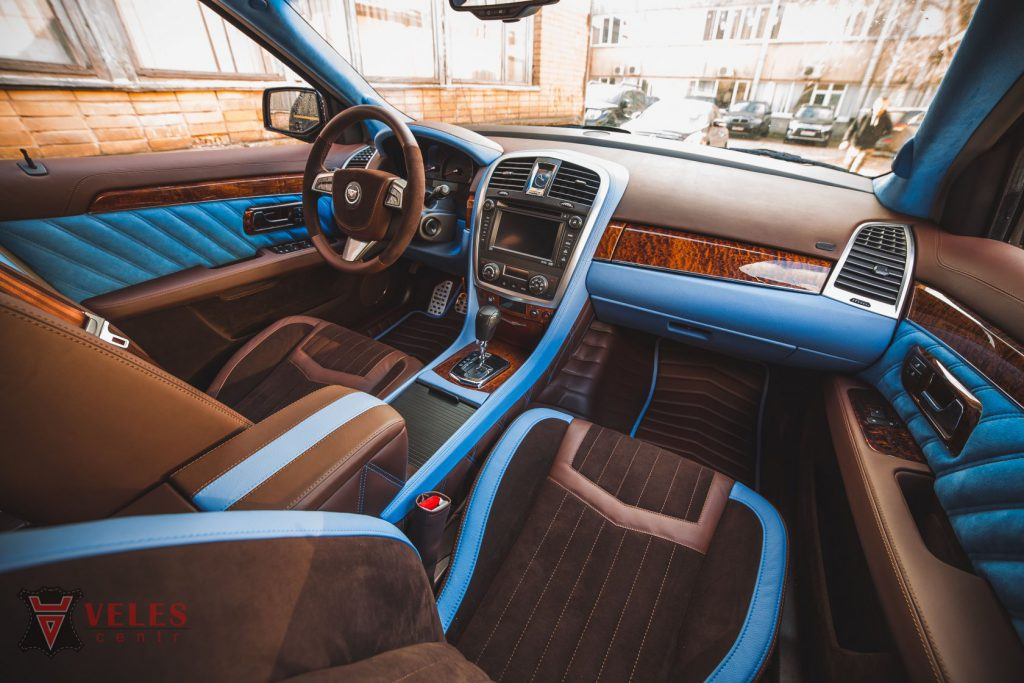Перешив салона из кожи Cadillac в Москве