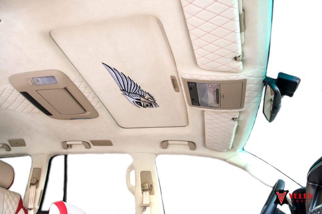 Перешив потолка в кожу для Lexus 570 в Москве