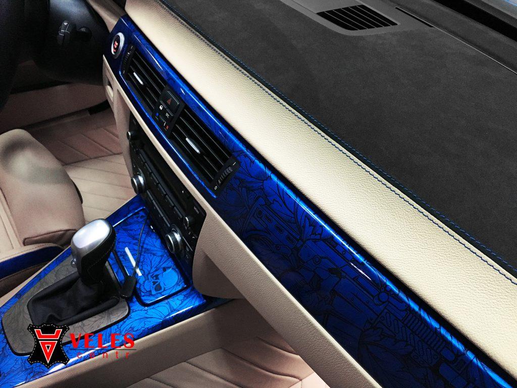 Перешив салона BMW в кожу и alcantara в Москве