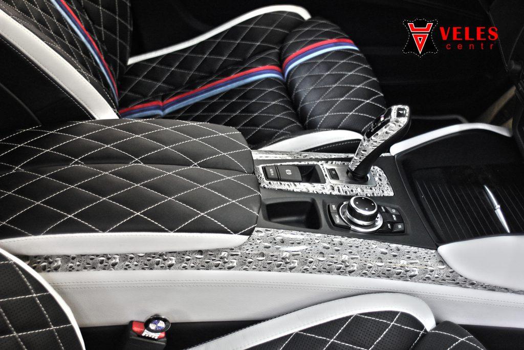Перешив торпедо для BMW X6M в Москве