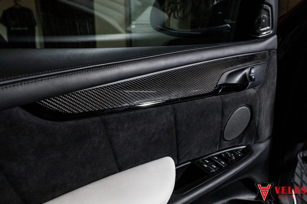 замена вставки в дверь и перешив подлокотника BMW