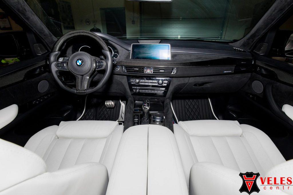 пошитый салон в кожу BMW