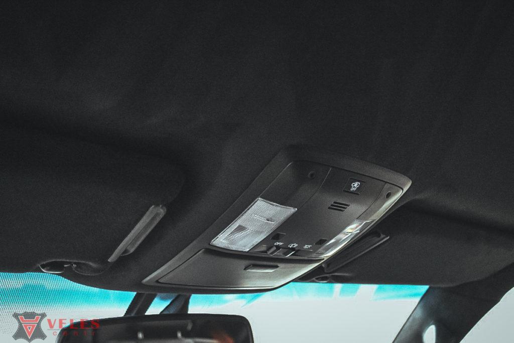 перетяжка потолка автомобиля алькантрой у нас в центре