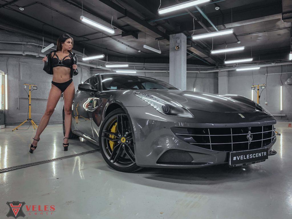 девушки модели и авто феррари