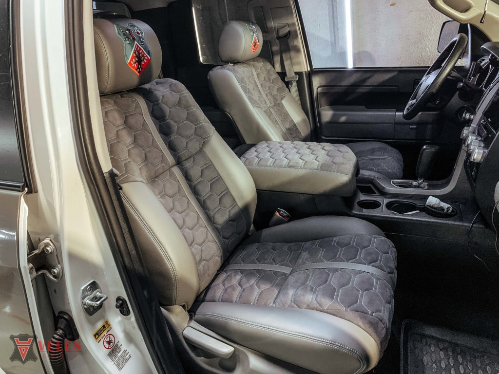 Перешив сиденья автомобиля