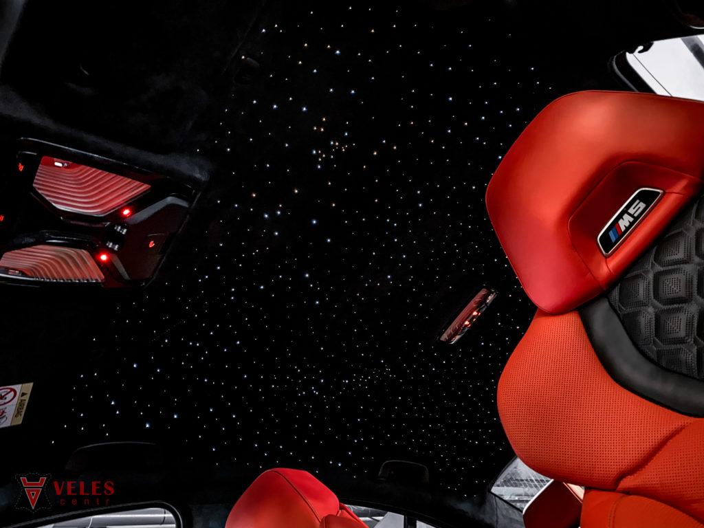 потолок +в машине звездное небо
